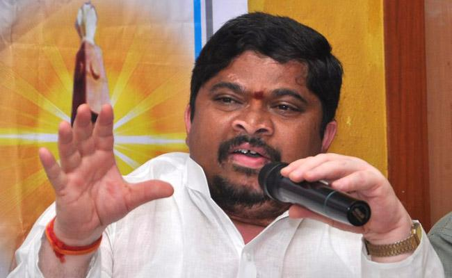 Congress Former MP Ponnam Prabhakar Written Letter To K Laxman Over TRS Government - Sakshi
