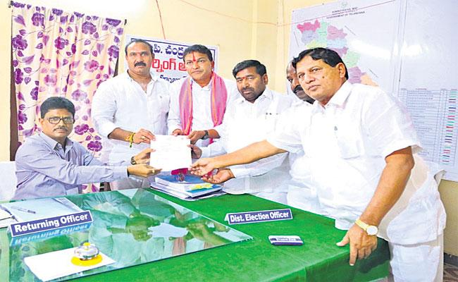 119 Nominations For Huzurnagar By-Elections On Last Day - Sakshi