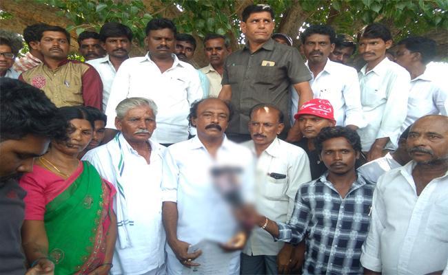 Uravakonda EX MLA Vishweshwar Reddy Fires On payyavula Keshav - Sakshi