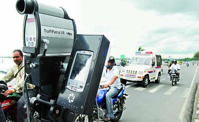 Using Speed Guns Penalties Are Being Imposed On NH-44 - Sakshi