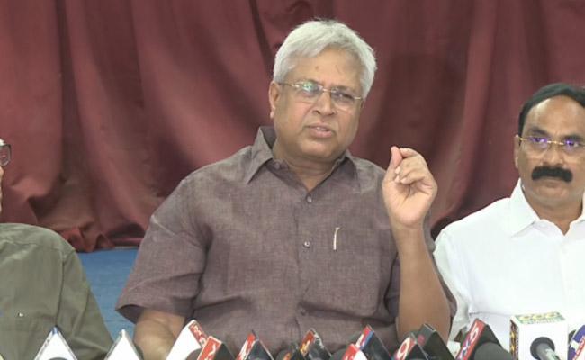 Undavalli Arun Kumar Slams Modi Govt Over Kashmir Row - Sakshi