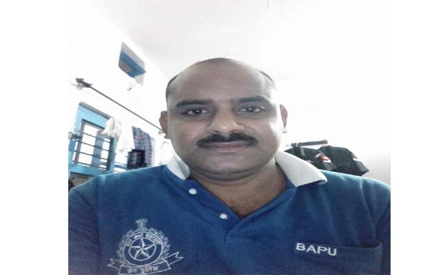 Army Officer Died In Kolkata After Dussehra Vacation - Sakshi