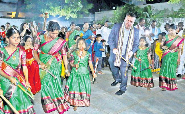 Indian Culture And Traditions Are Great Says Andrew Fleming - Sakshi