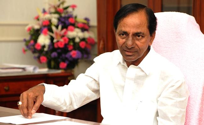 CM KCR Strategy To Isolate RTC Workers - Sakshi