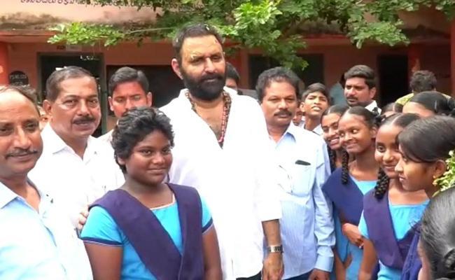 Minister Kodali Nani Launch YSR Kanti Velugu Scheme In Vijayawada - Sakshi