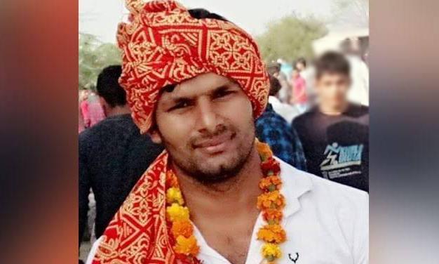 JNU Leader Umar Khalid Attacker Naveen Dalal Gets Shiv Sena Ticket - Sakshi