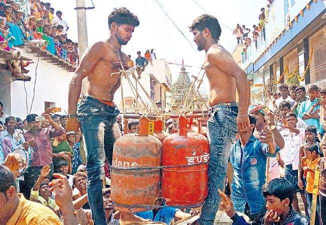 Dasara Celebrations in Yemmiganur - Sakshi