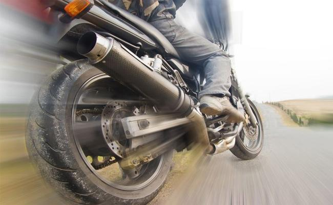 Bike Accidents Cases Files in Hyderabad - Sakshi