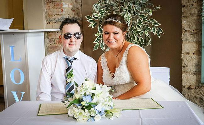 London Couple Myles Harrison And Liz Love Story - Sakshi