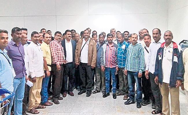 Workers Strike on Saudi J And P Company Close - Sakshi