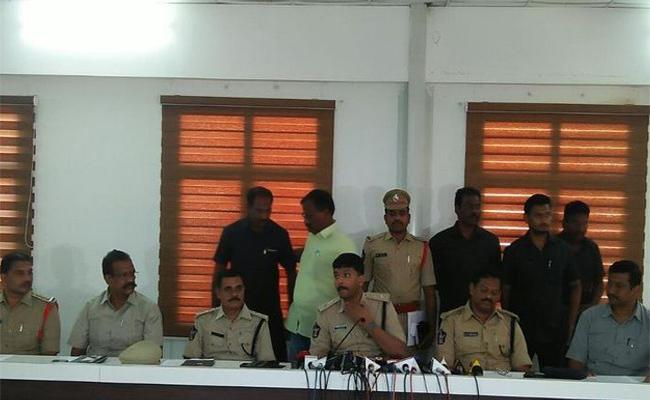 Drug Mafia In Vijayawada Targetted As College Students - Sakshi