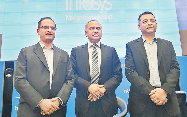 Infosys net profit slips 2.2 persant in Q2, revenue up 9.8persant - Sakshi