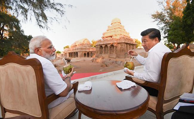 PM Modi and China's Xi Jinping Discuss Trade, Terrorism - Sakshi