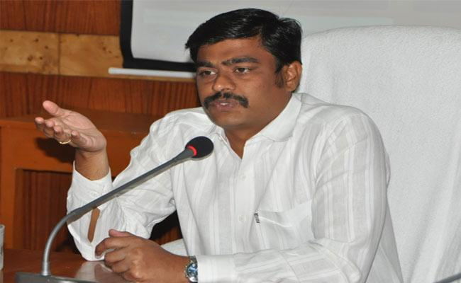Collector Nivas Says Basic Infrastructure Is Compulsory In Every Hostel In Srikakulam - Sakshi