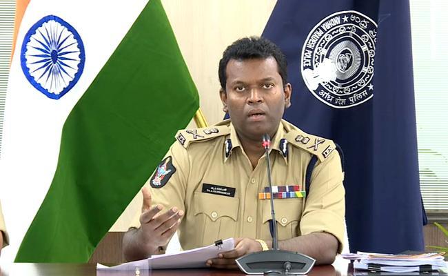 Additional DG Ravi Shankar Ayyanar: Fake Alligations In TDP  Book - Sakshi