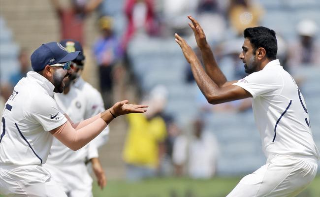 India Vs South Africa 2nd Test Day 3 Proteas Team All Out In 1st Innings At 275 - Sakshi