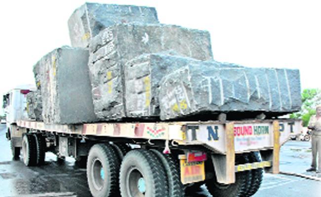 Illegal Granite Transport In Prakasam - Sakshi