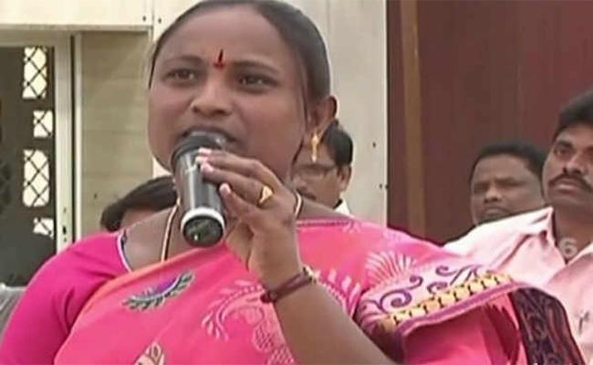Former TRS MLA Criticizes Government Over RTC Strike - Sakshi