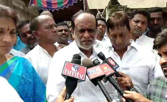BJP Leader K Laxman Pay Tribute To RTC Conductor Surendar Goud - Sakshi