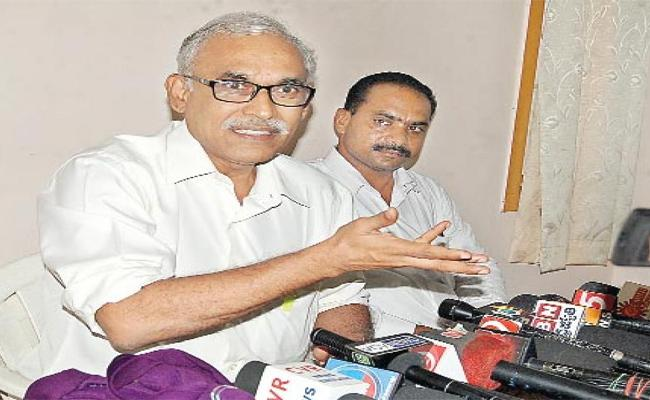 CPM Leader Raghavulu Make Allegations On TDP - Sakshi