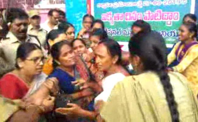 TSRTC Strike: tension Atmosphere Prevails In Suryapet - Sakshi