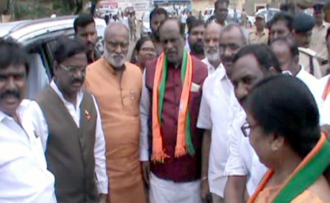 BJP Leader K Laxman Critics TRS Candidate In Huzurnagar Bypolls - Sakshi