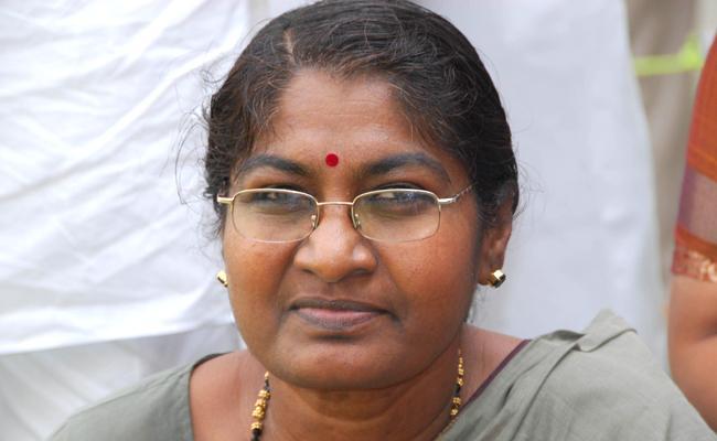 Former MLC Sharada Dies Of Heart Attack At Ramantapur - Sakshi