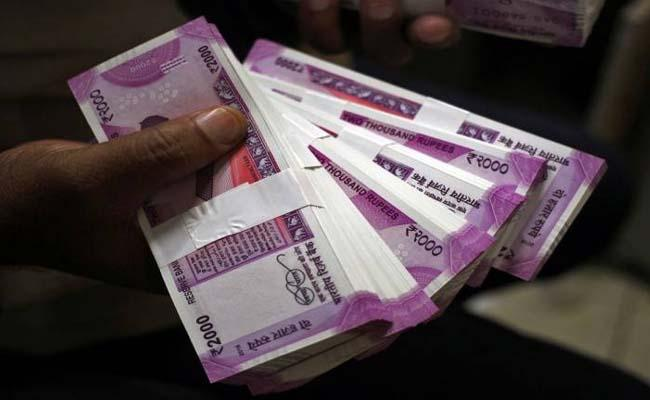 Not a single Rs 2,000 note printed in FY20 so far: Report - Sakshi