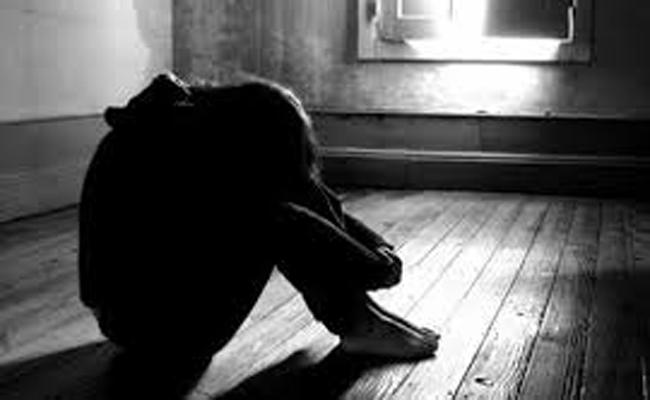 Inter Student Lahari Attempt Suicide From College Building In Ongole - Sakshi