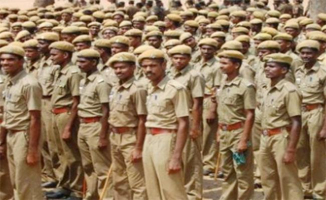 Challan to Inspector And Subinspector in Tamil nadu - Sakshi