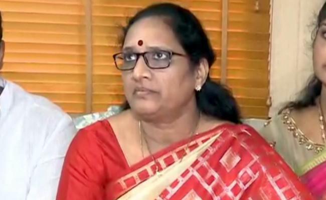 Nannaya University Molestation Issue Vasireddy Padma Inquiry Into Matter - Sakshi