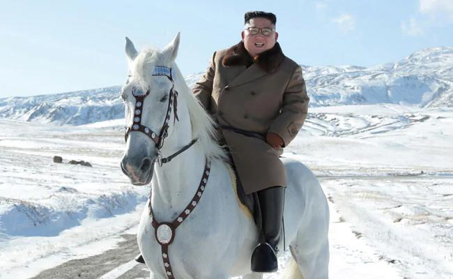 Kim Horse Ride On Sacred Mountain Hints At Great Operation - Sakshi