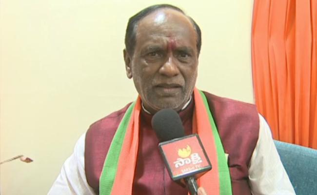 BJP Leader Laxman Slams TRS Over TSRTC Strike  - Sakshi
