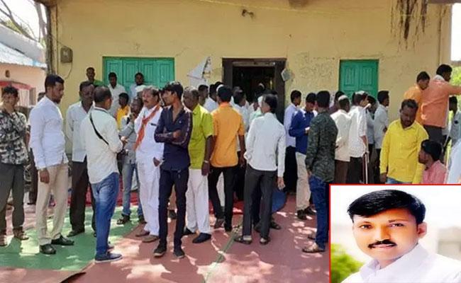 Omraje Nimbalkar Stabbed At Poll Rally In Osmanabad District - Sakshi