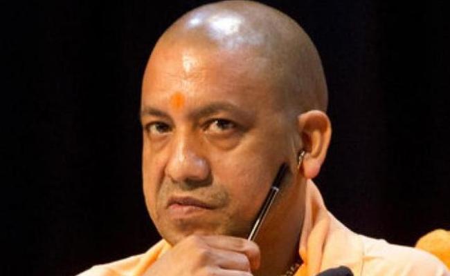 Nirahua embarrasses Yogi Adityanath on fake encounter issue - Sakshi