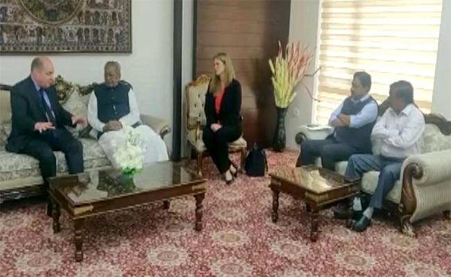 America Consul Members Meeting With AP Governor Biswabhusan - Sakshi