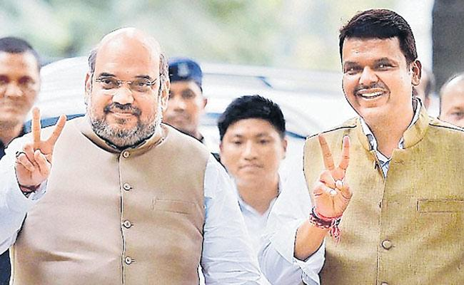 Devendra Fadnavis Successful CM For Maharashtra - Sakshi