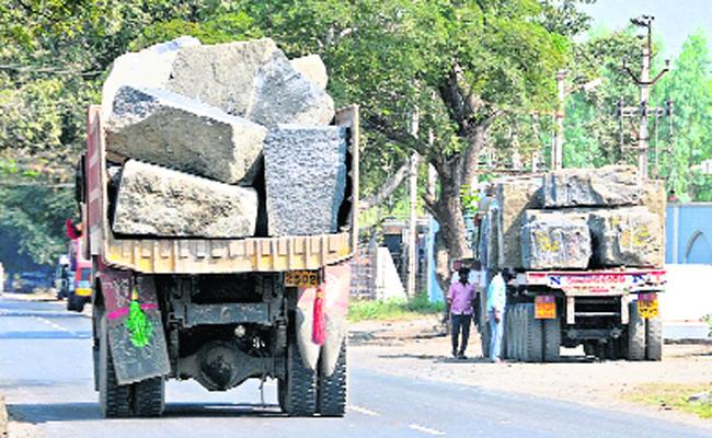 Political Leaders Involved In Granite Smuggling In Prakasam - Sakshi