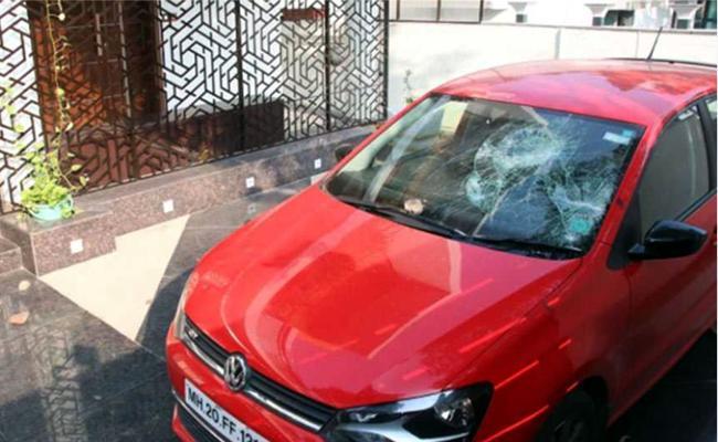 Ex Shiv Sena MLA House, Car Attacked in Aurangabad - Sakshi