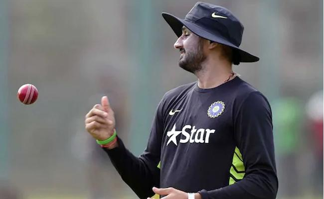 Harbhajan Asks Jonty Rhodes To Bat In Ranchi - Sakshi