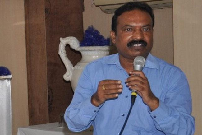 Telangana Nayee Brahmin Ikya Vedika Supports TSRTC Strike - Sakshi