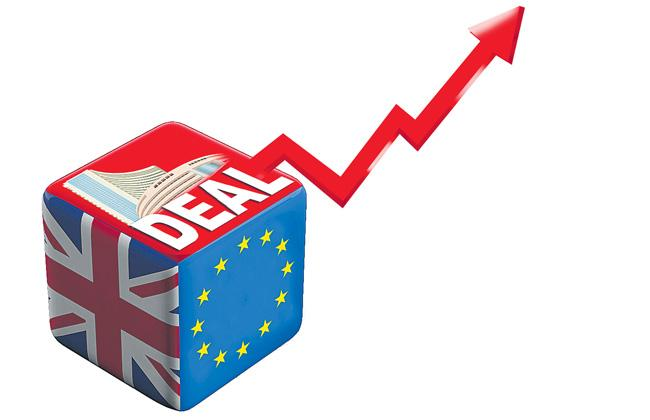 Brexit deal helps Sensex climb 39K - Sakshi