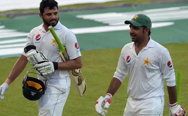 Fans Blast PCB For Replacing Sarfaraz Ahmed With Azhar Ali - Sakshi