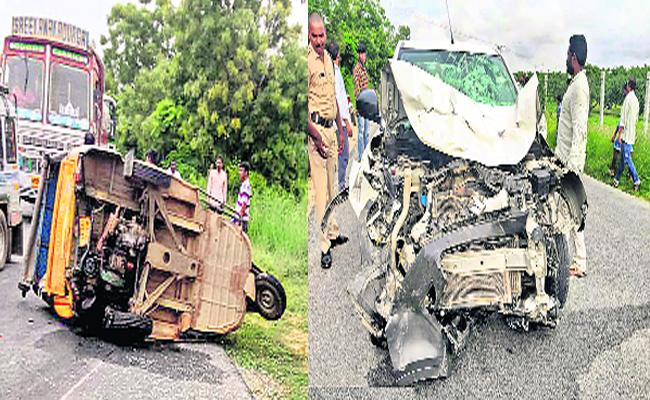 Road Accident In Chittoor Auto Driver Died And 6 Students Injured - Sakshi