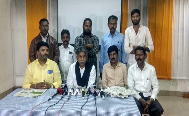 Manda Krishna Madiga Demanded Enquiry On KCR Farm House - Sakshi
