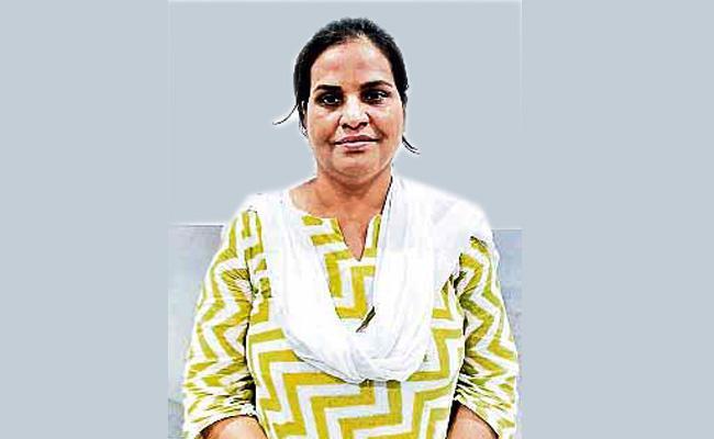 Women Land Grabbing in kondapur hyderabad - Sakshi