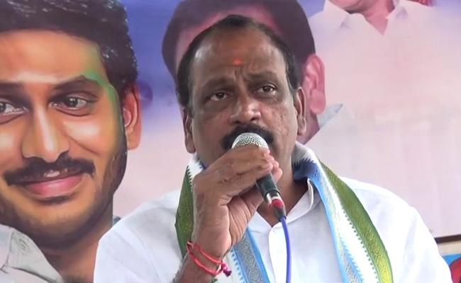 CM YS Jagan Fulfilled His Promise To Agrigold Victims - Sakshi