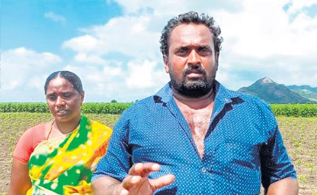 TDP Workers Attacked With Fertilizers In Field At Chilakaluripet - Sakshi