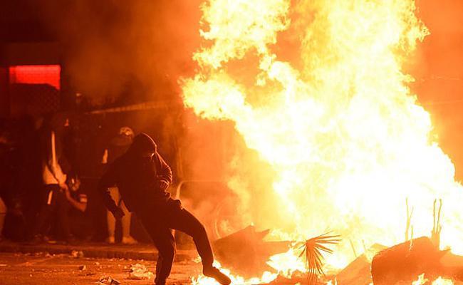 Fire On Streets Of Barcelona - Sakshi