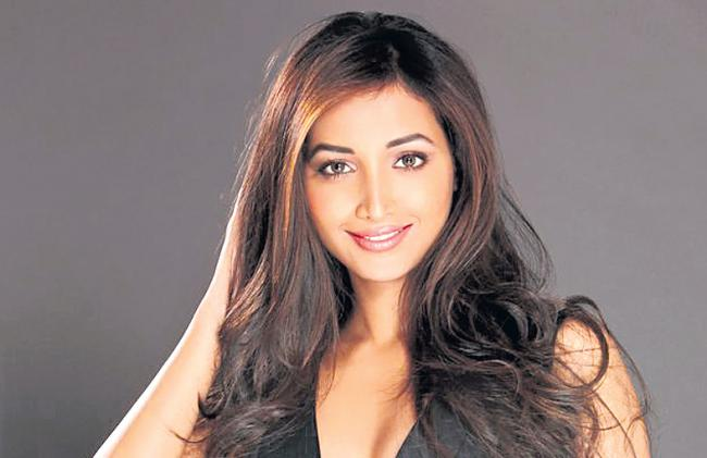 KGF actor Srinidhi Shetty to star opposite Vikram in his next - Sakshi